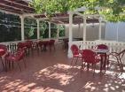 Отель-дом в Сутоморе для 50+ гостей рядом с морем и пляжами