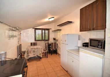 Квартира в Петроваце с хорошим видом в 700 м от моря