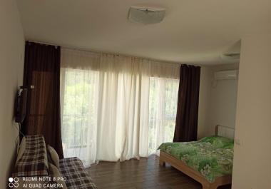 Новая квартира в Сутоморе в 100 м от песчаного пляжа