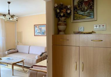 Уютная квартира в самом центре города Петровац, на первой линии