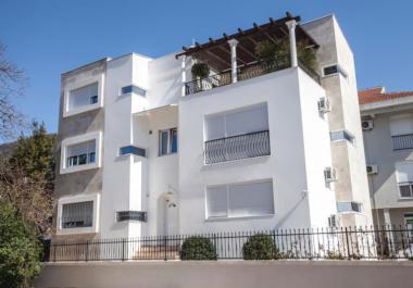 3-х комнатная квартира в Тиват с центральным отоплением рядом с морем