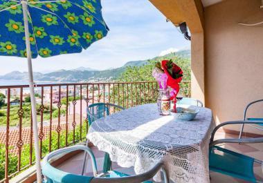 Трехэтажный мини-отель в Добра Вода, в 450 м от пляжа