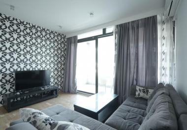 Квартира 43 м2 в новом доме в Бечичи с гаражом и видом на море