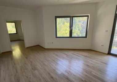 3 комнатная квартира в центре Бечичи в 5 минутах от пляжа