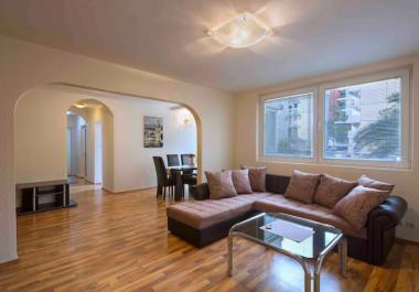 Новая квартира 85 м2 в Будве с 3 спальнями, 2 туалетами, большой террасой